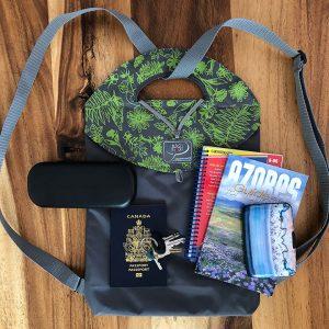 Herbier_Encre verte claire_Charcoal Bagasak_passeport_Backpack